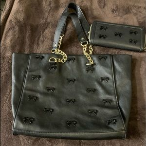 Bj purse with bow accents and wallet to match